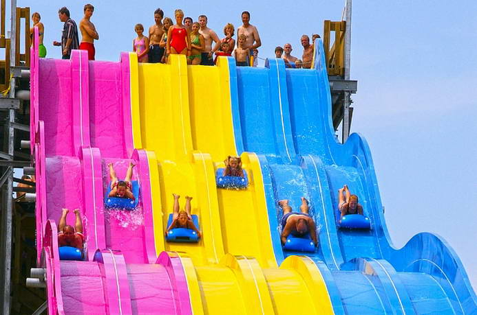彩虹波浪滑梯 rainbow wavy slide
