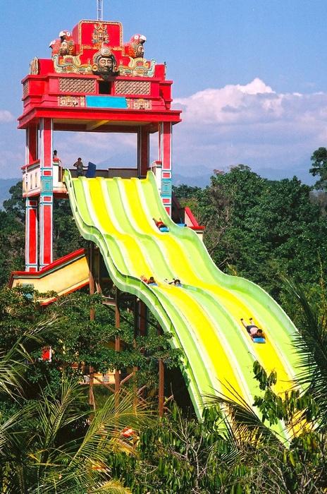 彩虹滑梯設備